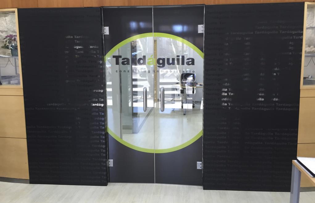 TARDÁGUILA, interior